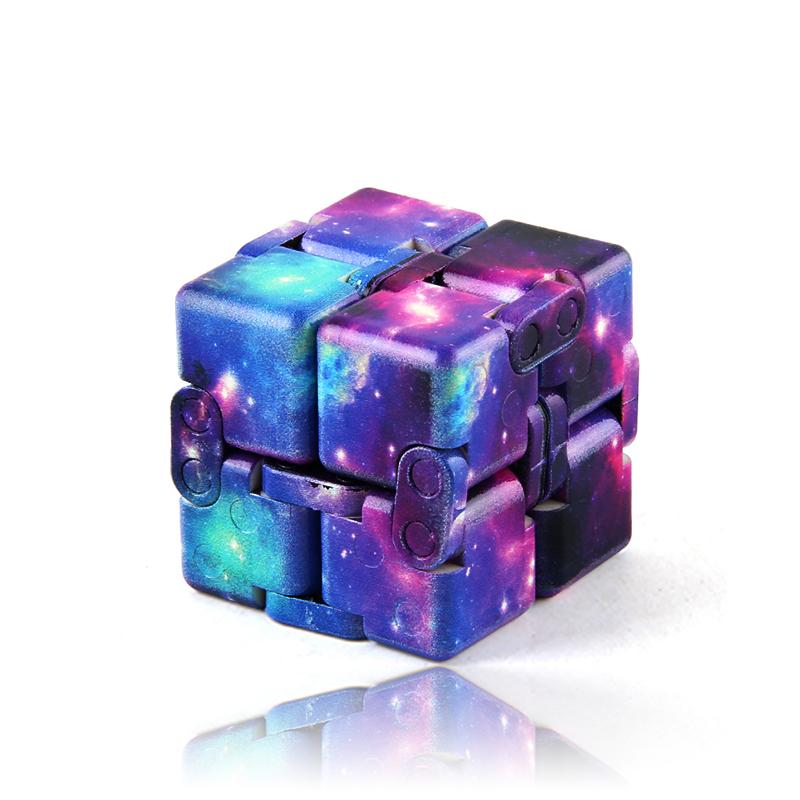 "Fidget Cube ""Infinity"", antistresna senzorična igrača"