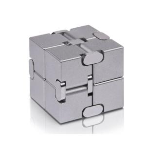 "Fidget Cube ""Infinity"", antistresna senzorična igrača & ETUI"